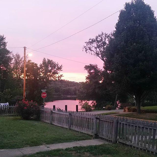 Crazy purple pink sky #nofilter cause nature is awesome