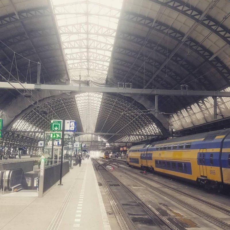 Train Hanger